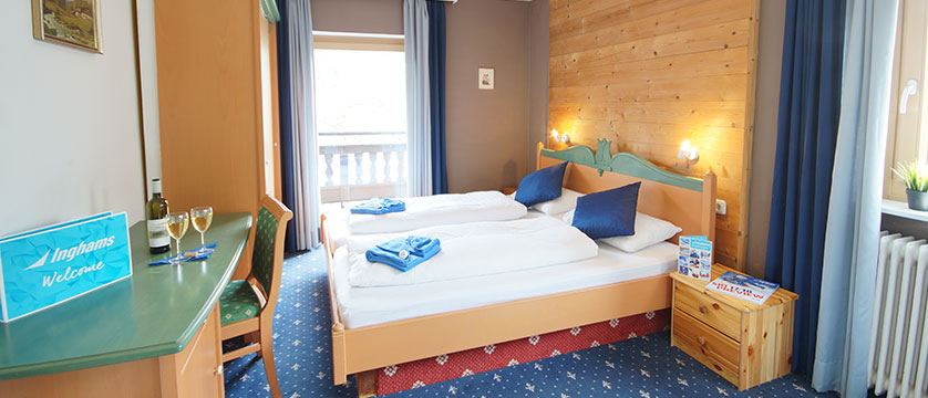 Chalet Linda, Kitzbühel, Austria - bedroom.jpg